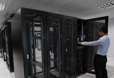 Khái niệm tủ rack là gì, những lưu ý khi chọn và sử dụng tủ rack phù hợp cho phòng máy chủ?